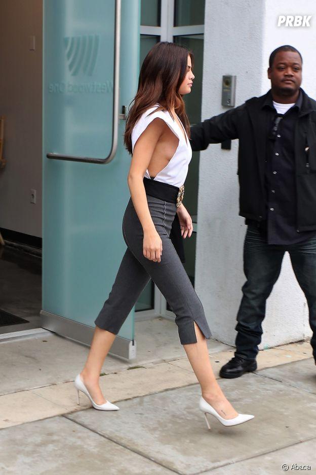 Selena Gomez dévoile un side boob ultra sexy !