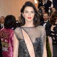 Kendall Jenner sans soutif et toute en transparence, elle a adopté la tendance sexy !