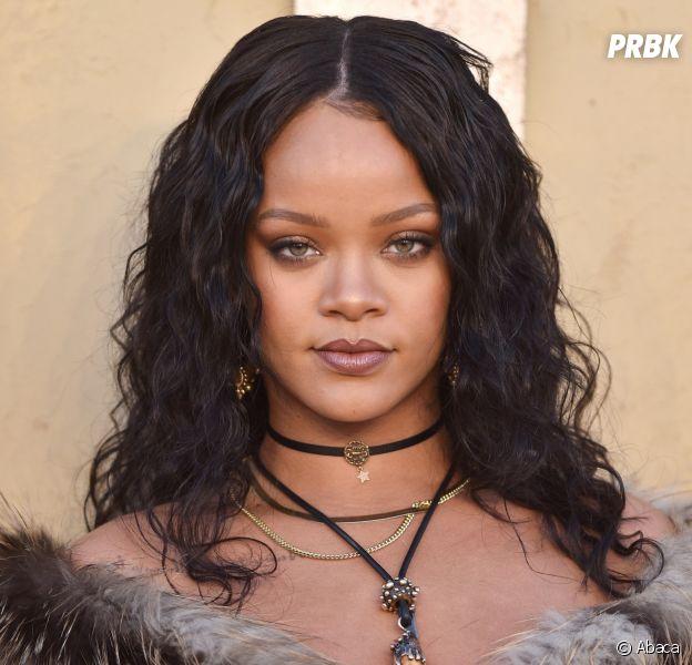 Rihanna en couple ? Découvrez les photos de ses baisers torrides avec un mystérieux inconnu !