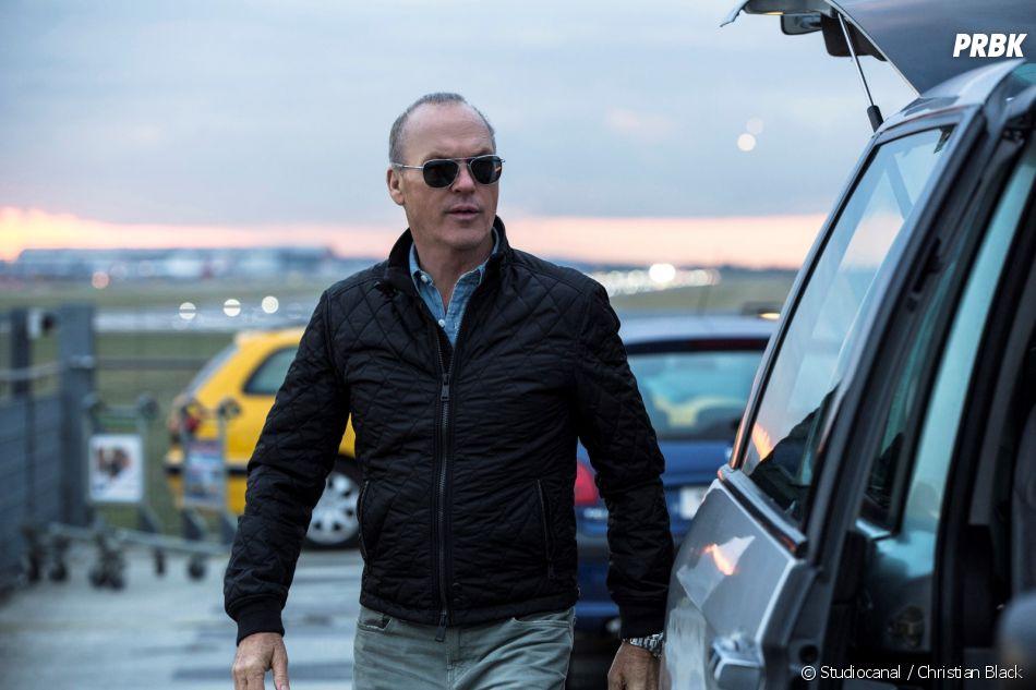 American Assassin : Michael Keaton sur une photo
