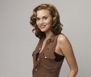 Hilarie Burton (Les Frères Scott) accuse Ben Affleck d'attouchements, il s'excuse