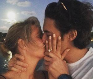 Claire Holt fiancée à Andrew Joblin