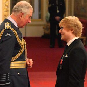 Ed Sheeran ému face au Prince Charles : il fait un royal faux pas