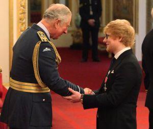 Ed Sheeran ému face au Prince Charles, il enfreint le protocole royal avec un faux pas !