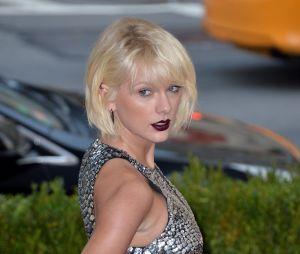 Taylor Swift prise en flagrant délit de bisous avec Joe Alwyn à un concert de Ed Sheeran