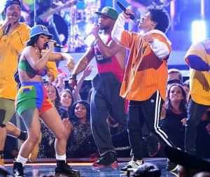 Bruno Mars en sneakers aux Grammy Awards 2018 !