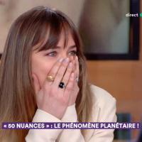 Dakota Johnson (Fifty Shades Freed) au bord des larmes à la télé française