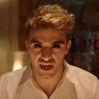 "Clip ""You Owe Me"" : The Chainsmokers se transforment en vampires pour une soirée sanglante 💉"