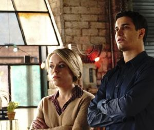 Scorpion saison 4 : Florence et Walter sur une photo