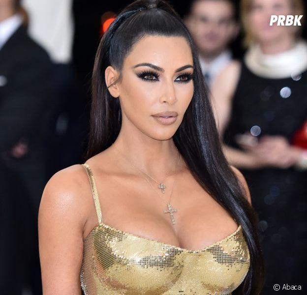 Kim Kardashian pose encore nue pour son parfum KKW Body : la star fait grimper la température !