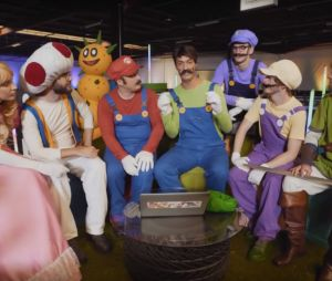 McFly, Carlito, Cyprien, Squeezie, Natoo et Cyril s'affrontent lors d'un Mario Kart assez spécial