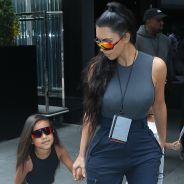 Kim Kardashian critiquée pour avoir lissé les cheveux de sa fille North, elle répond