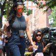 Kim Kardashian critiquée pour avoir lissé les cheveux de sa fille North, elle répond !