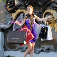 Prenez exemple sur Blair Waldorf : le shopping ça rend heureux, c'est scientifiquement prouvé