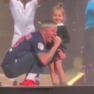 Macklemore déclare son amour à la France avec sa fille sur scène : les internautes sous le charme 😍