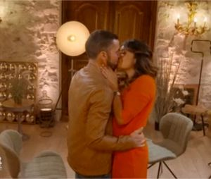 L'amour est dans le pré 2018 : Raoul et Laetitia s'embrassent lors des speed-dating dans l'émission diffusée le 3 septembre 2018 sur M6