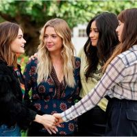 The Perfectionists : les stars de Pretty Little Liars réunies dans le spin-off ? Lucy Hale répond !