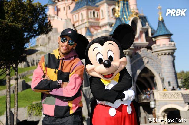 Neymar à Disneyland Paris pour les 90 ans de Mickey