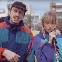 """Clip """"Tout oublier"""" : Angèle et Roméo Elvis partent au ski... à la plage 🎿🏖"""
