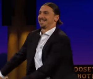 Zlatan Ibrahimovic se lâche sur un plateau télé et se met à réaliser une danse de Fortnite.