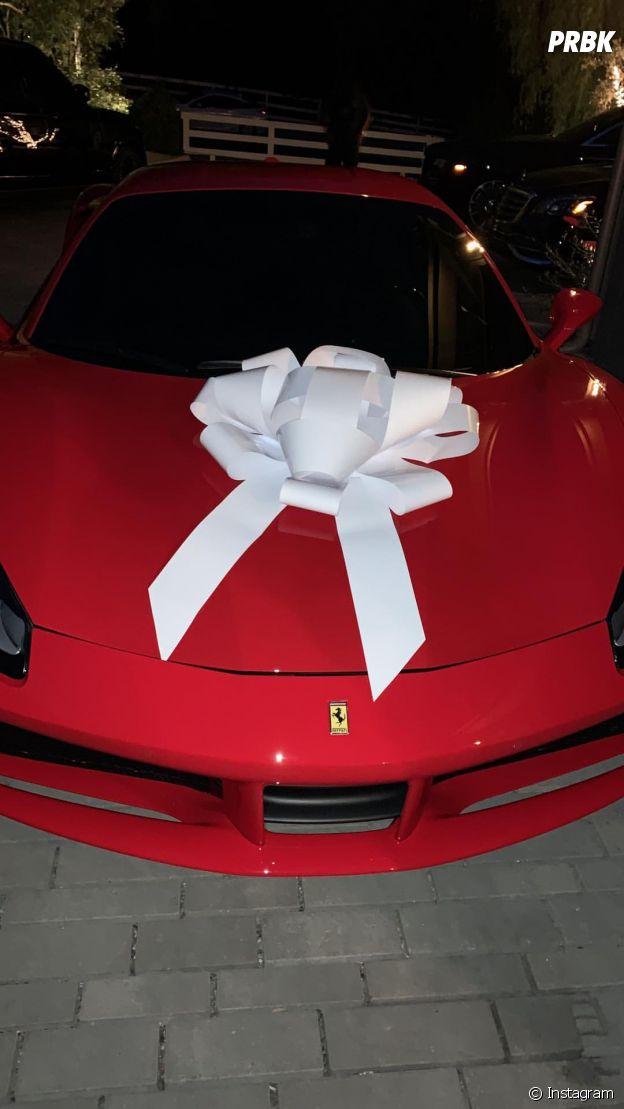 Kris Jenner gâtée par sa fille Kylie Jenner : elle lui a offert une Ferrari en cadeau d'anniversaire !