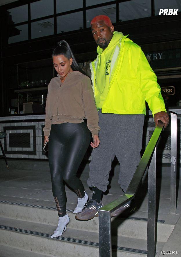Kanye West aussi se met à la tendance du fluo.