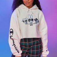 Les Super Nanas x Champion : la collab girly et streetwear pour leur anniversaire