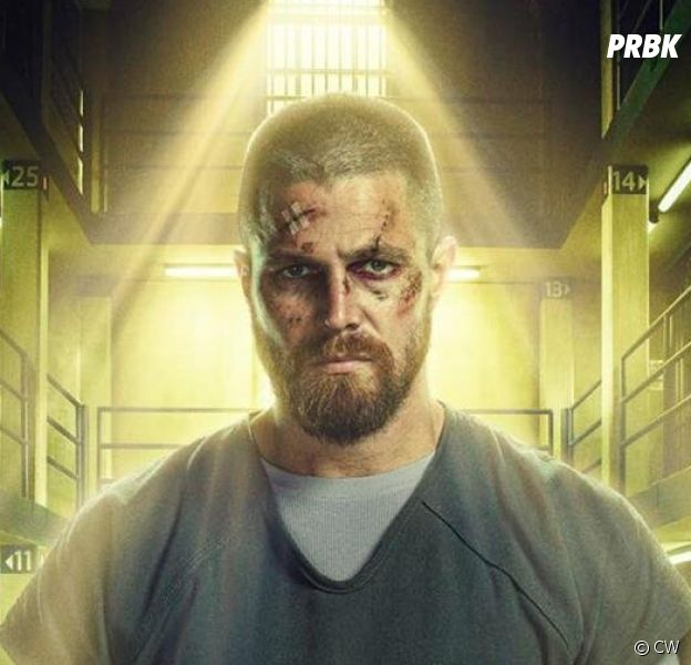 Arrow saison 7 : embêté par des fans, Stephen Amell s'en débarasse d'une façon géniale