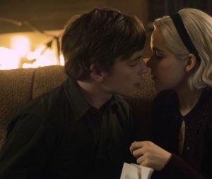 Les Nouvelles aventures de Sabrina saison 2 : Sabrina et Harvey toujours proches