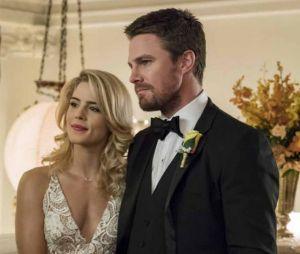 Arrow saison 7 : Emily Bett Rickards quitte la série, Stephen Amell lui laisse un tendre message
