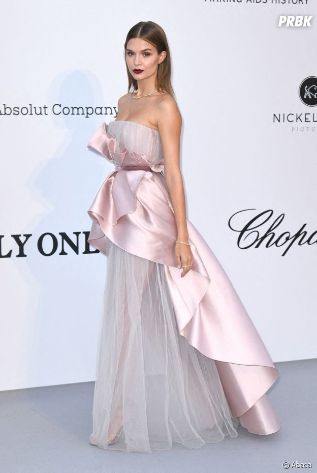Festival de Cannes 2019 : Josephine Skriver au gala de l'amfAR
