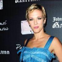 Lorie ... Elle pose nue dans Paris Match