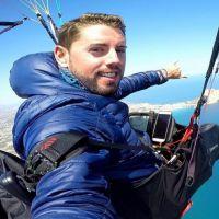 Un youtubeur meurt en sautant en parachute pour filmer une vidéo