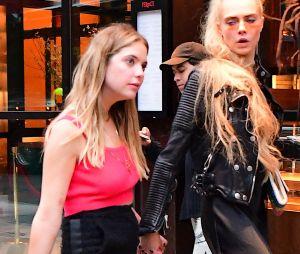 Cara Delevingne amoureuse d'Ashley Benson : elle se confie sur leur relation de couple