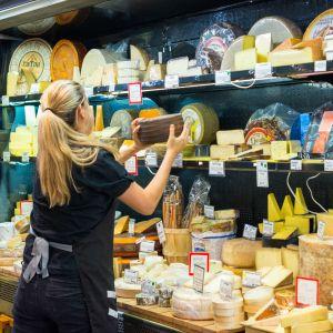 Alerte job de rêve : devenez goûteur de fromages à Paris et faites-vous de l'argent au passage