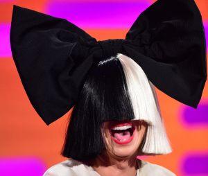 """Sia atteinte d'une maladie génétique rare : """"Je souffre de douleurs chroniques"""""""
