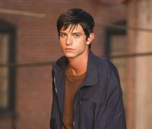 Roswell New Mexico saison 2 : Jason Behr rejoint le casting