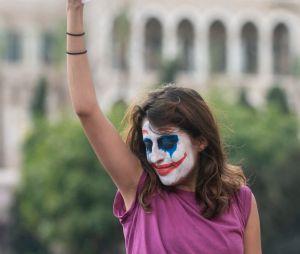 Joker : quand le visage du vilain devient un symbole de rébellion dans le monde