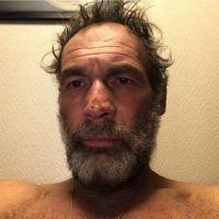 Mike Horn sauvé mais toujours bloqué en Arctique : piégé par la glace, il donne de ses nouvelles