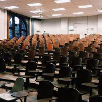 Grèves : les étudiants de la fac Nanterre invités à dormir dans un gymnase pendant les partiels