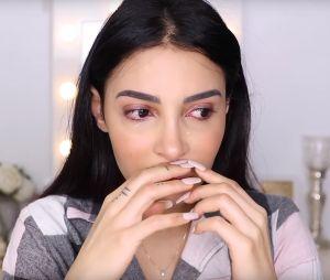 """Sananas en larmes sur YouTube : elle avoue être """"perdue"""" en ce moment et se confie à ses nombreux abonnés"""