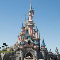 Disneyland ferme ses parcs, y compris à Paris, une décision très rare mais prudente