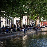 Déconfinement : le Canal Saint-Martin rempli, les twittos ragent et Christophe Castaner réagit