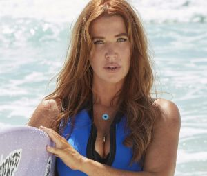 Reef Break : Poppy Montgomery surfe-t-elle vraiment dans la série ? Elle répond