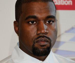 Kanye West tease ses nouvelles sneakers Yeezy au look futuriste et complètement WTF
