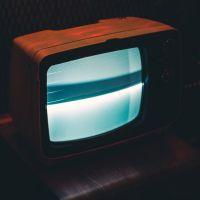 Diversité à la télé (femmes, couleurs de peau, âges...) : les chiffres choc du baromètre du CSA