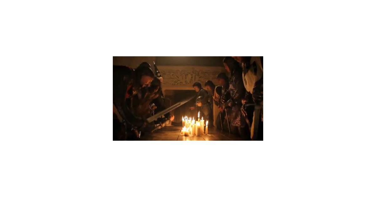 Gad elmaleh et jamel debbouze compl tement hilarants dans leur nouveau sk - Les chevalier de la table basse ...