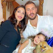 """Julia Paredes, bientôt le mariage avec Maxime Parisi : elle est """"plus que prête"""" 💍"""