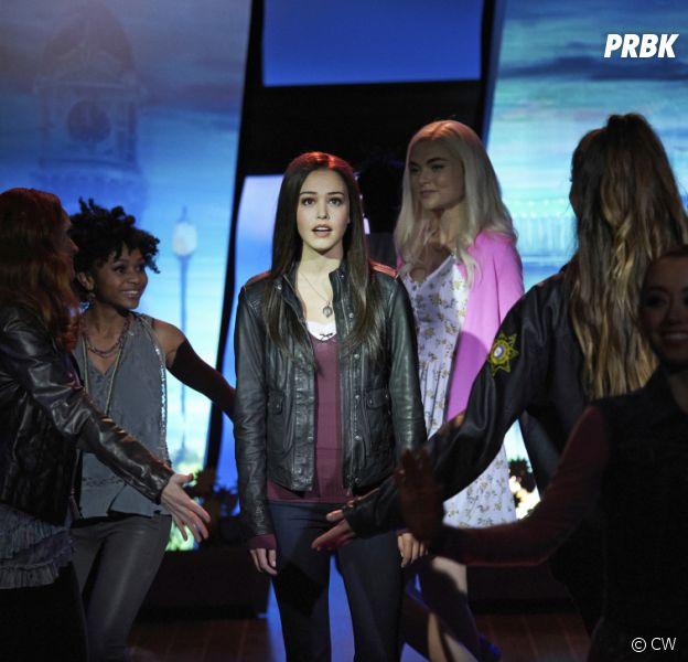 Legacies saison 3, épisode 3 : Josie incarne Elena dans la comédie musicale
