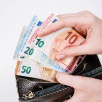 Revenu minimum pour les jeunes : des députés proposent un revenu de base et une dotation de 5 000€